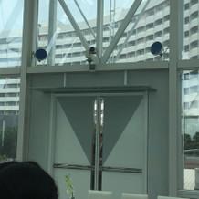 挙式場の扉!