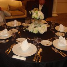 招待客のテーブル