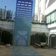 中庭です。フラワーシャワーができます