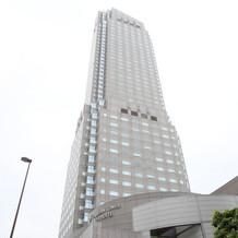 ホテル外観写真、渋谷駅から見えます