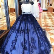 新婦着用カラードレス
