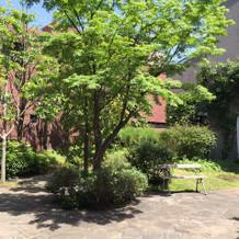 教会前お庭