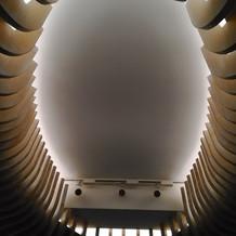 式場の天井 きれいです
