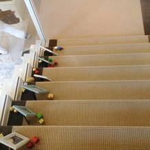 階段に写真を並べられます