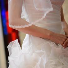 ドレスも引き立つチャペル。