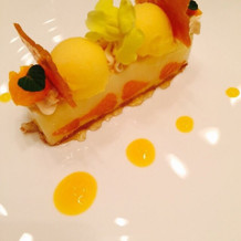 デザートは愛媛県産のアイスケーキ