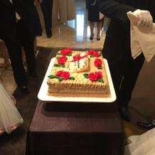 ウェディングケーキも素敵。