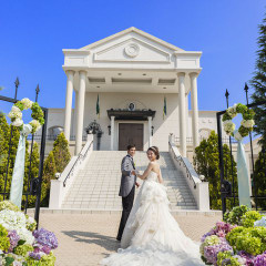 白亜の邸宅を贅沢に貸切って! 憧れの大階段とリゾート感溢れる特別な一日を
