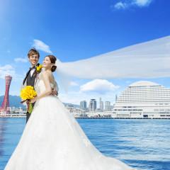 神戸港、ポートタワー、六甲山など神戸らしい風景を一望できる贅沢なロケーション。全国的にも知られた神戸を代表する眺めは「招待」するだけでゲストへの素敵なプレゼントに
