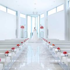 主人公の花嫁を輝かせるため、ホテルグランヴィア広島のこだわりが詰まった独立型チャペル