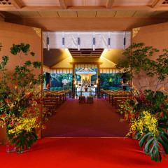白山殿/白山さんで親しまれる「白山比咩神社」の縁結びの神様「菊理姫」を祭る白山殿。圧倒的な存在感でホテルにありながらも、本格神前式を叶える。