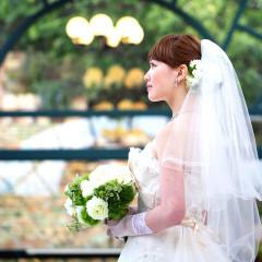 アクア・ベルオー・チャペル での人前式  ブライズメイドと一緒にアットホームな結婚式を!