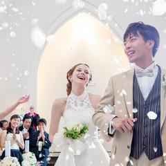 白亜のチャペルでゲストからの祝福!うれしいフラワーシャワー!!