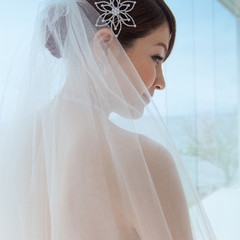 ベール越しの花嫁