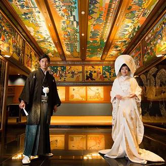 和室玄関は、芸術作品の集まったお写真スポット。
