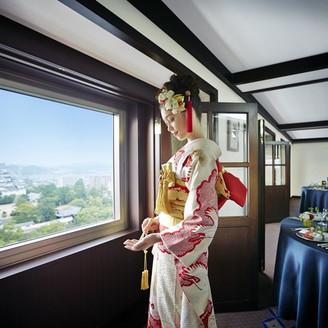 バンケットルーム「ふじの間」 福山城を臨む最上階バンケット。 ご親族を招いての披露会食会に大人気の会場!