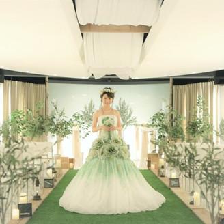 優しい緑に包まれた結婚式が叶う