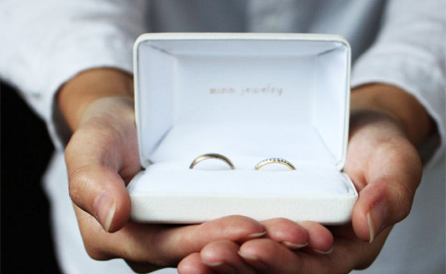 指輪を売るのではなく、一緒につくっていく