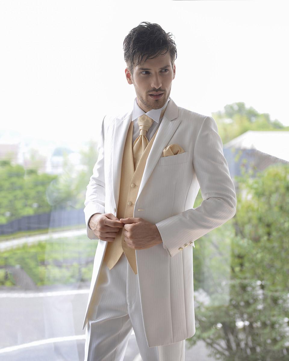 意外と悩む!結婚式の新郎衣装の選び方
