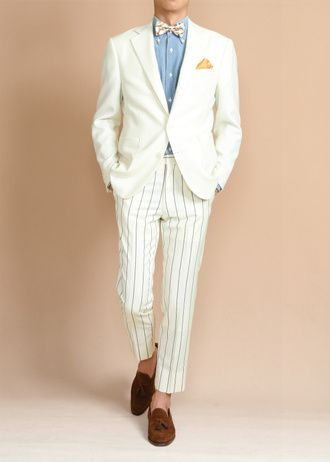 白いスーツ