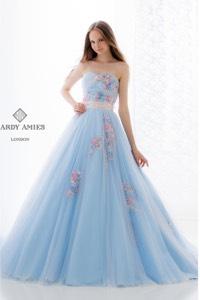 ブルー系のウェディングドレスを探す