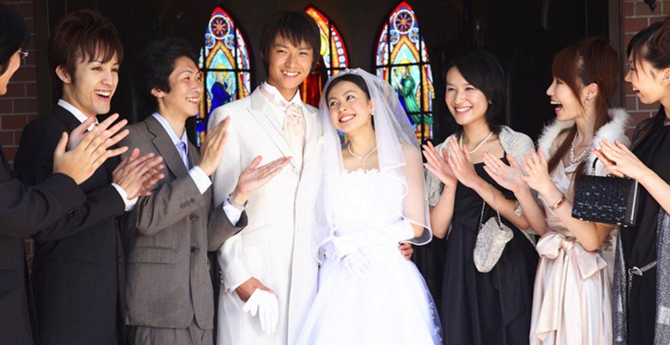 結婚式スピーチ成功のコツ! 乾杯・祝辞や友人挨拶の文例&