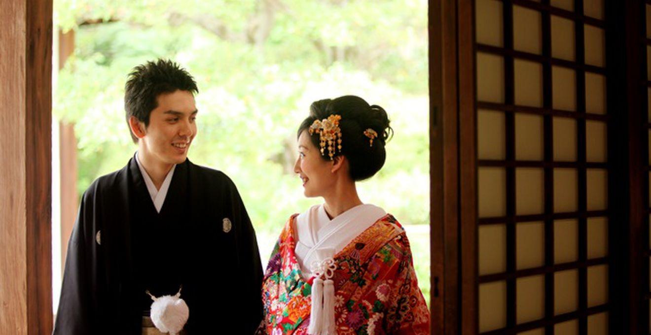 【神前式】お呼ばれゲスト向け!和婚参列の服装や作法マナー