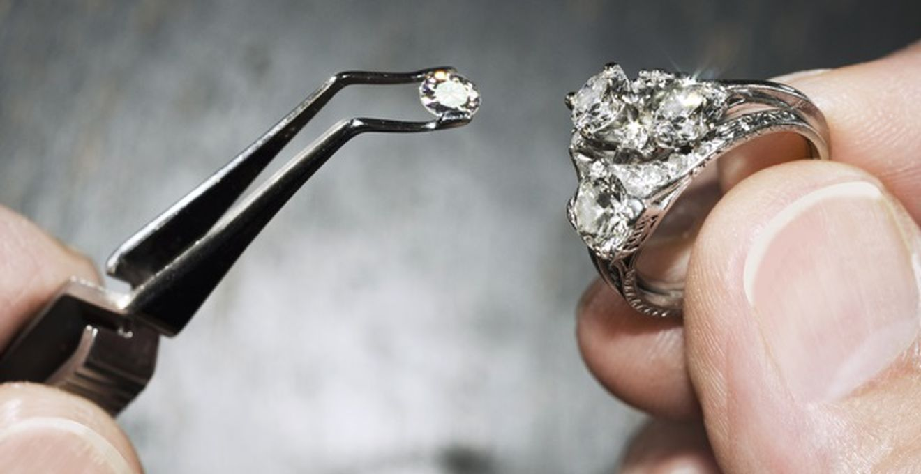 結婚指輪に関する基礎知識!カッティングやセッティングの方法