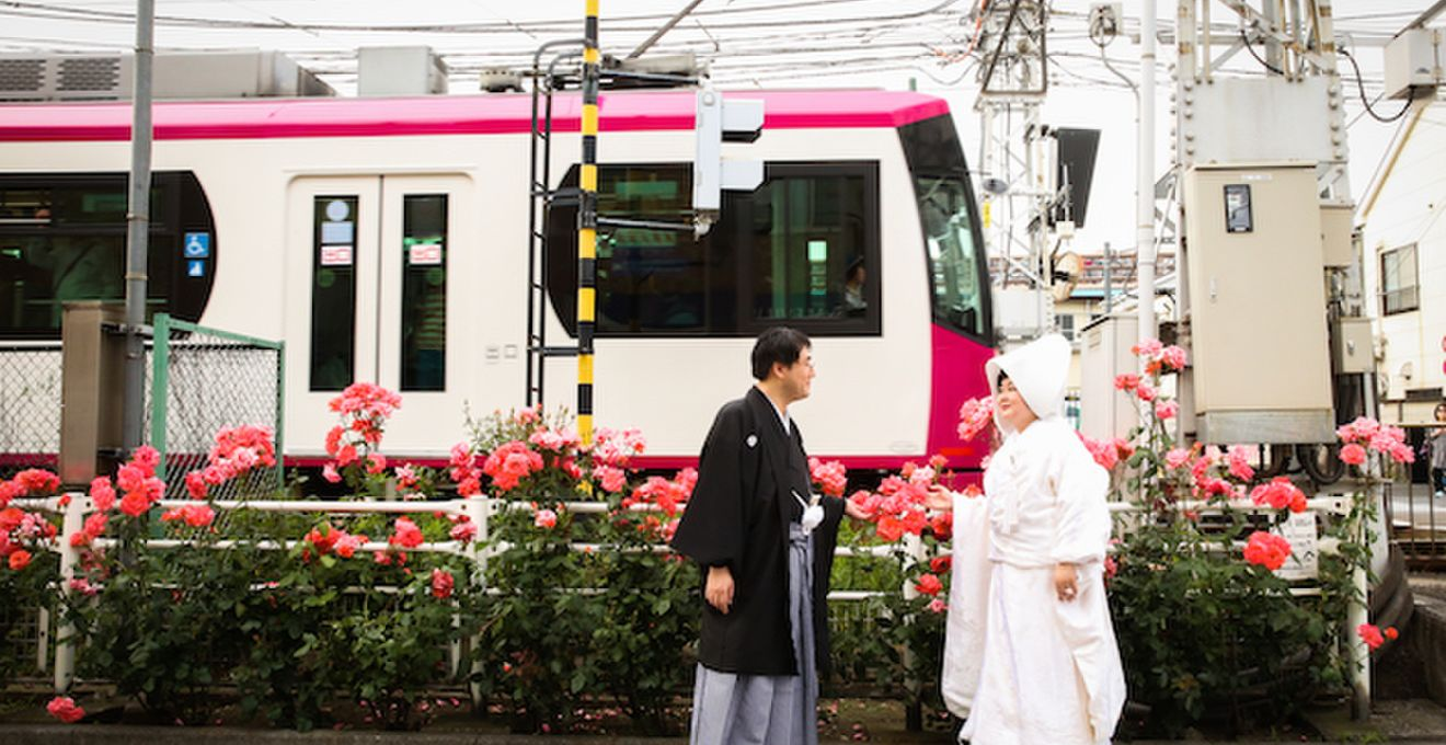 """幸福行き電車乗車中♪車両貸切で行う""""都電ウェディング""""が凄いんです"""