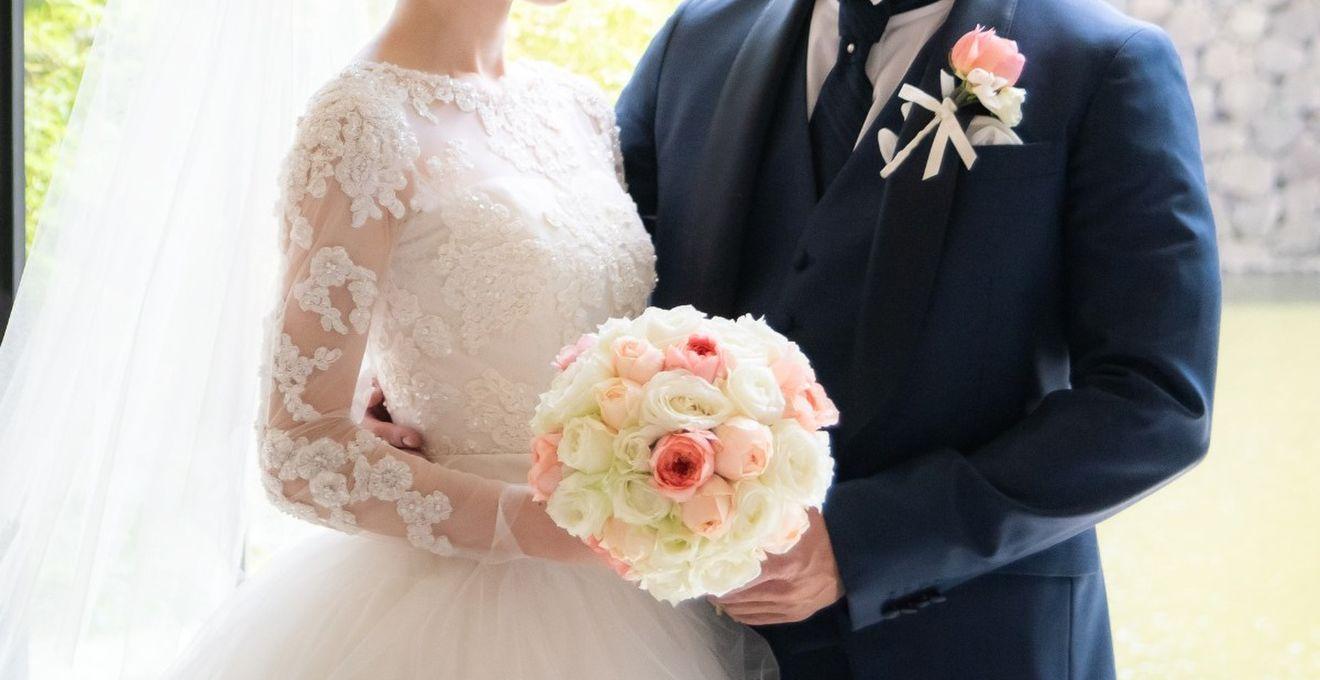 《ウェディングドレス2019年》人気の立体的なお花モチーフドレスに指名殺到!