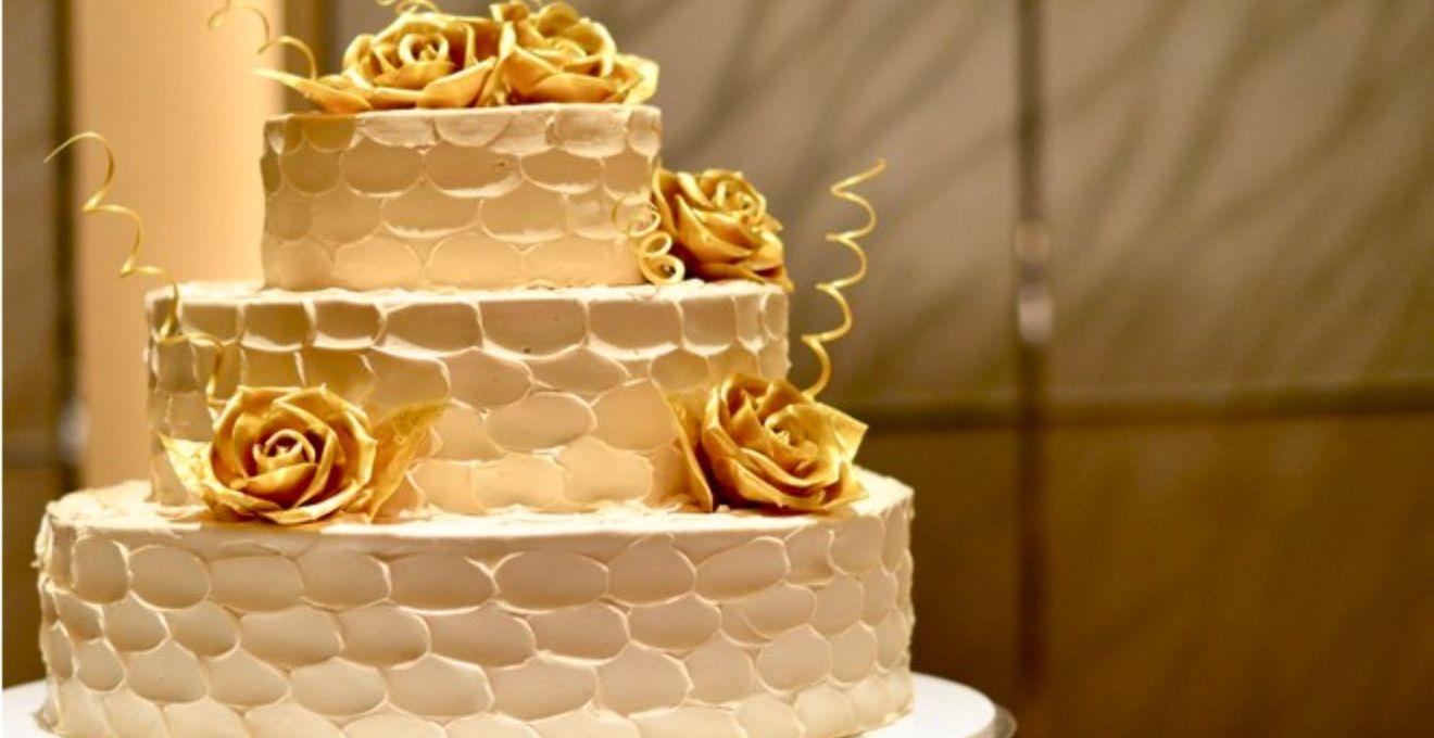 もこもこかわいい&おしゃれなウェディングケーキ*《スワイプドパールケーキ》