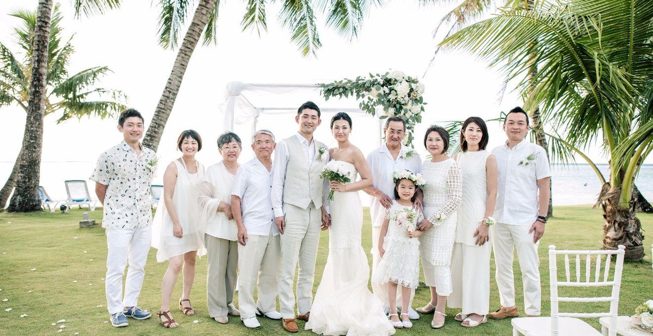 76bf1c5caaf4f ドレスコードにサプライズを秘めて!家族の笑顔が溢れたグアムウェディング