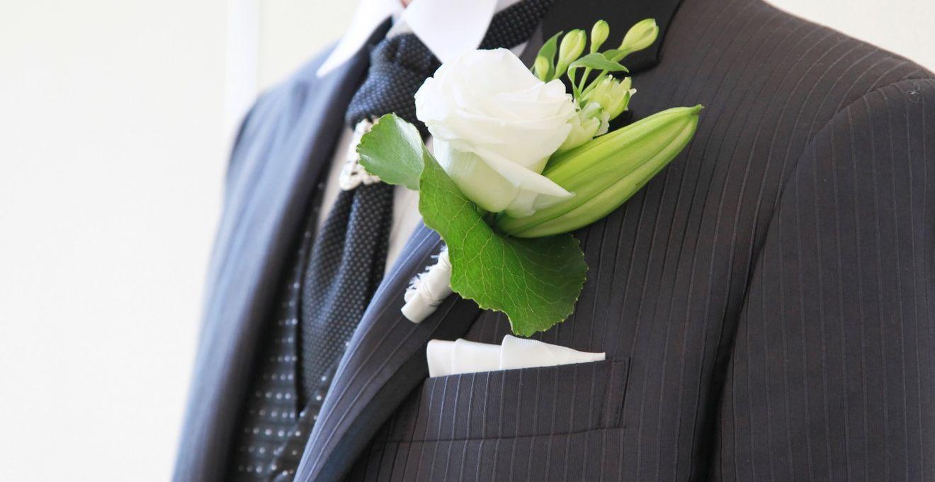 565467d76e698 新郎の結婚式衣装(タキシード)を選ぶための3ステップ