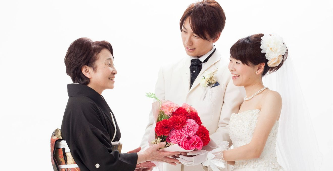 結婚式の両親への手紙・花束贈呈シーンにおすすめの曲・
