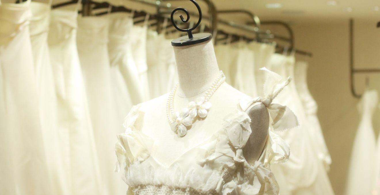 82e64b9329efd 結婚式のウェディングドレスはレンタル派?購入派?