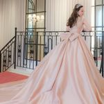 今年のトレンドはコレ!くすみピンクのカラードレス特集*