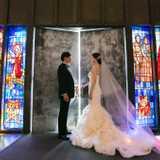 ハワイの大聖堂でロマンティックウェディング!幻想的なステンドグラスの輝きに包まれて♪