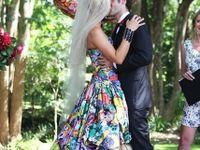 結婚式を華やかに!カラフルなカラーウェディングドレスまとめ