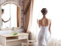 結婚式の花嫁ヘアアレンジ♪ドレスと自分に似合う髪型は?