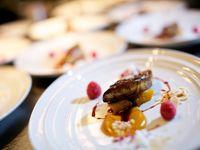 結婚披露宴の料理・飲み物でゲストに喜ばれやすい選び方は?