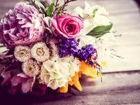 結婚式ブーケはやっぱり生花? ドレス姿が一層映える素材を選ぼう!