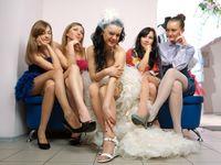 冬の結婚式<女性お呼ばれゲスト>ドレスワンピースなど服装マナー