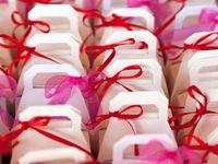 結婚式の引き出物|金額相場や喜ばれる人気ギフト<2017年版>