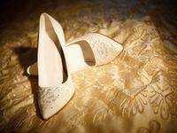 ウェディングシューズの相場や靴の選び方