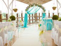 結婚式テーマカラーの決め方3パターン:理想のウェディング会場を実現しよう