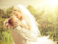 結婚式の資金が足りない…!どうやって式を挙げる?