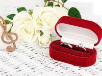 結婚指輪の刻印は名前や日付どんなデザインにする?