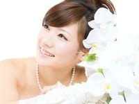 髪の長さが中途半端で困る? ミディアムヘアの花嫁にオススメの髪型