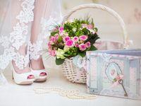 結婚式へ招待した親族の衣装代。負担するのは新郎・新婦?