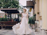 夏の結婚式はとにかく涼しげに♪爽やかなサマードレス&アクセサリー
